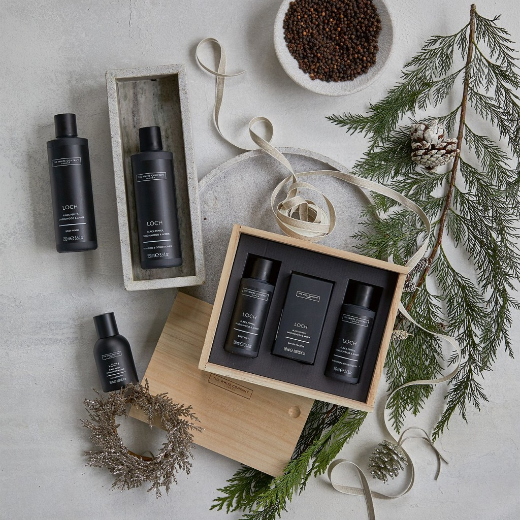 The White Company Men's Loch Grooming Gift Set on a grey background.